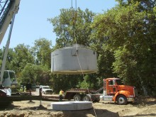Large device lowered from a crane (installation in San Jose)
